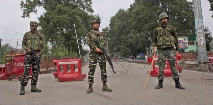 Kashmir remains besieged by Indian troops for over a month