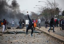 Jacob Zuma: Military deployed to tackle unrest over jailed ex-president